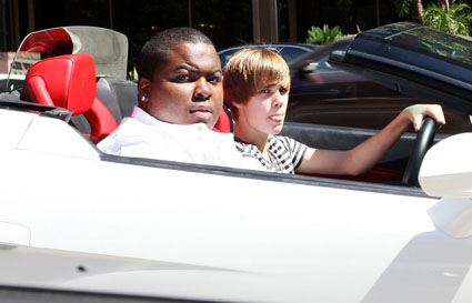 Justin Bieber drives Lamborghini