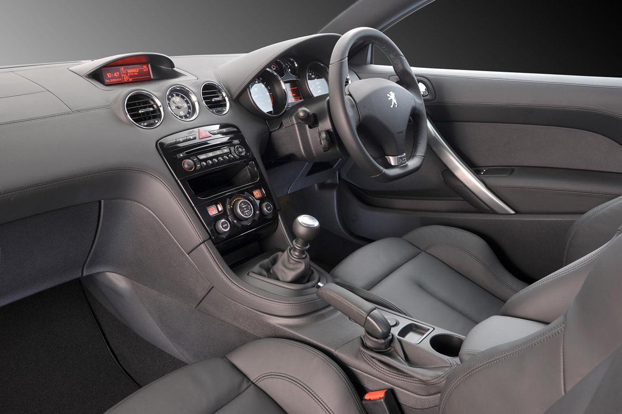 Peugeot RCZ interior view