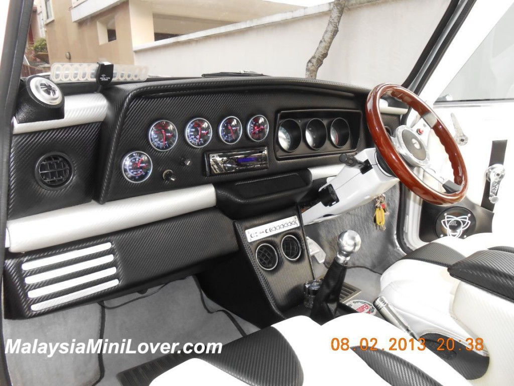 Mini Cooper White interior