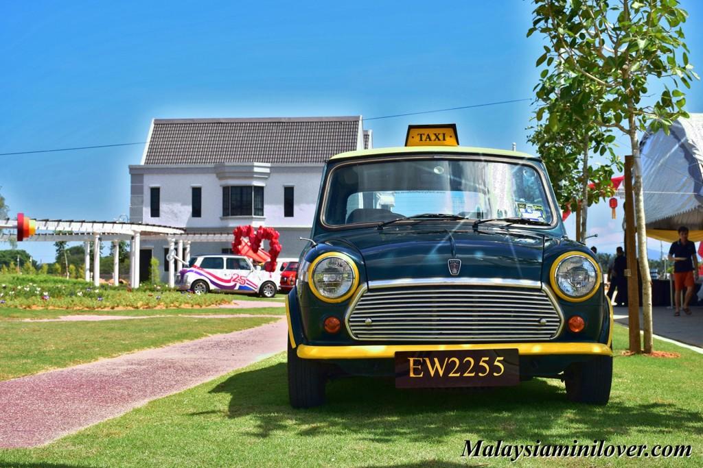 classic Mini Cooper taxi