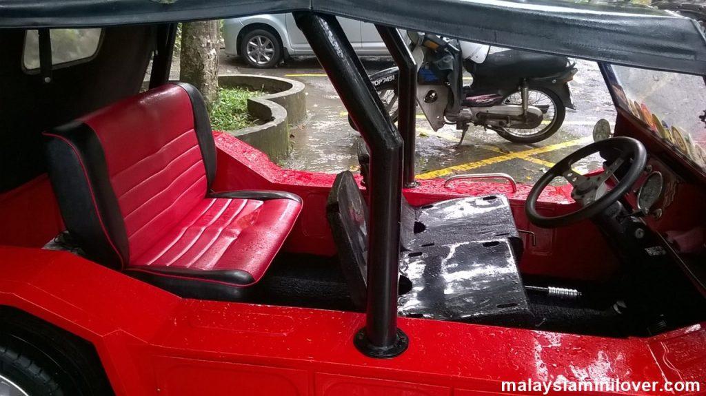 Mini Moke interior