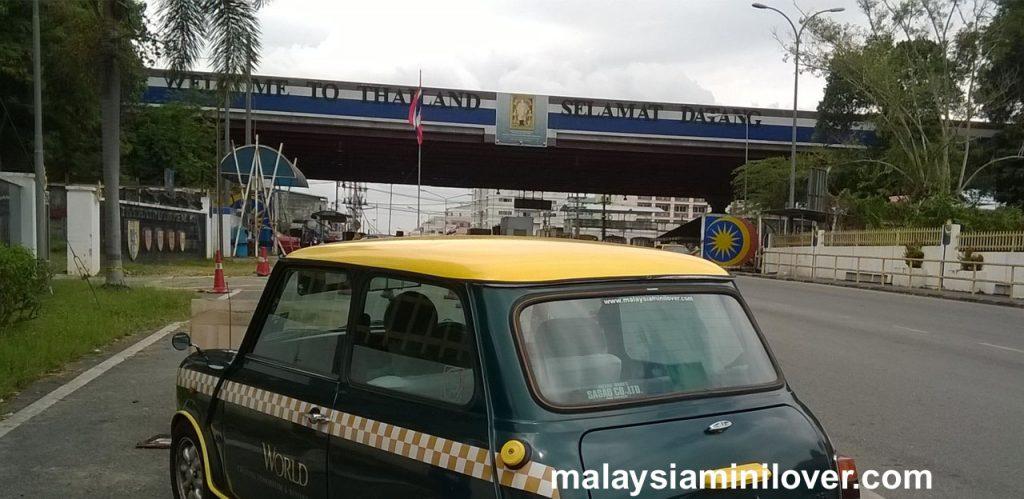 drive to thailand classic mini cooper